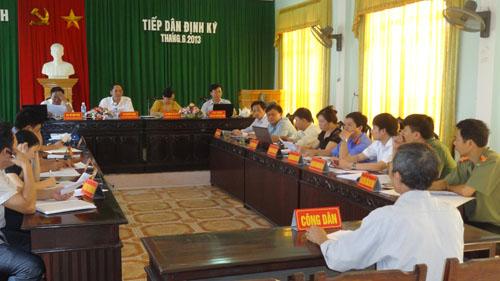 Lãnh đạo UBND tỉnh Hà Tĩnh tiếp công dân định kỳ tháng 6/2013