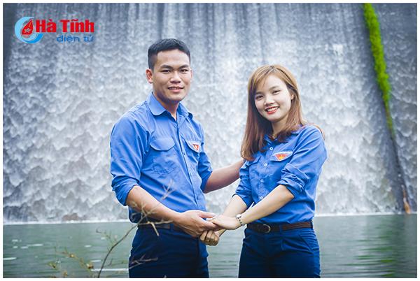Độc đáo bộ ảnh cưới mang màu áo xanh của Đoàn