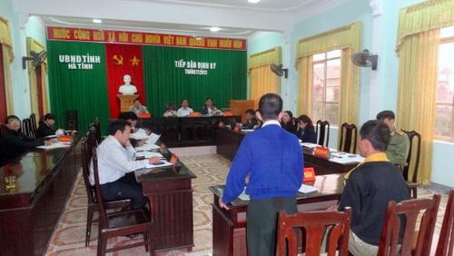 Ủy ban nhân dân tỉnh tỉnh Hà Tĩnh tiếp công dân định kỳ tháng 11 năm 2013