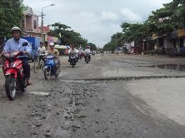 Chủ tịch UBND huyện Nghi Xuân trả lời kiến nghị của ông Nguyễn Thế Mỹ và một số hộ dân ở khối phố 2, 3 thị trấn Xuân An.