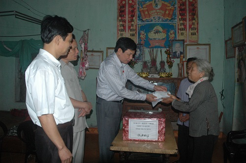 Sở Lao động Thương binh và Xã hội Kết luận việc chi trả chính sách cho đối tượng người có công, chính sách trợ giúp các đối tượng bảo trợ xã hội tại huyện Hương Khê