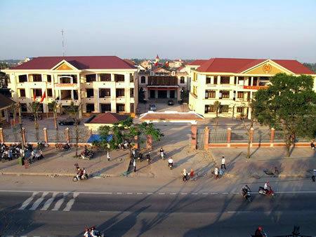 Chủ tịch UBND huyện Cẩm Xuyên ban hành Quyết định giải quyết khiếu nại của ông Tô Đức Chắt trú tại thôn Trần Phú, thị trấn Thiên Cầm