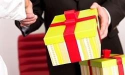 Quy định về tặng, nhận quà tặng trong cơ quan, tổ chức, đơn vị