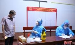 Lãnh đạo Sở Y tế kiểm tra công tác lấy mẫu trên diện rộng ở TP Hà Tĩnh